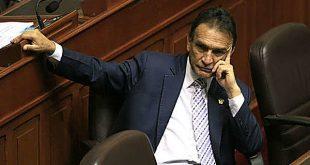 Informe por denuncia constitucional recomienda suspender e inhabilitar a Becerril