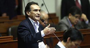 Comisión de Ética aprobó investigar a Héctor Becerril por presunta coima